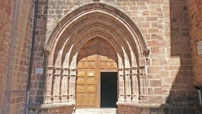 Pórtico de entrada a la Iglesia de valvanera