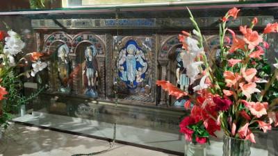 Altar bajo la Virgen de Valvanera